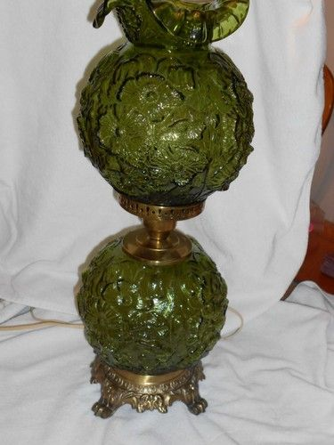 1 One Fenton Art Glass Gwtw Style Table Lamp Green Poppy