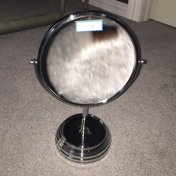 Dual sides vanity mirror. Dual sides vanity mirror. Other
