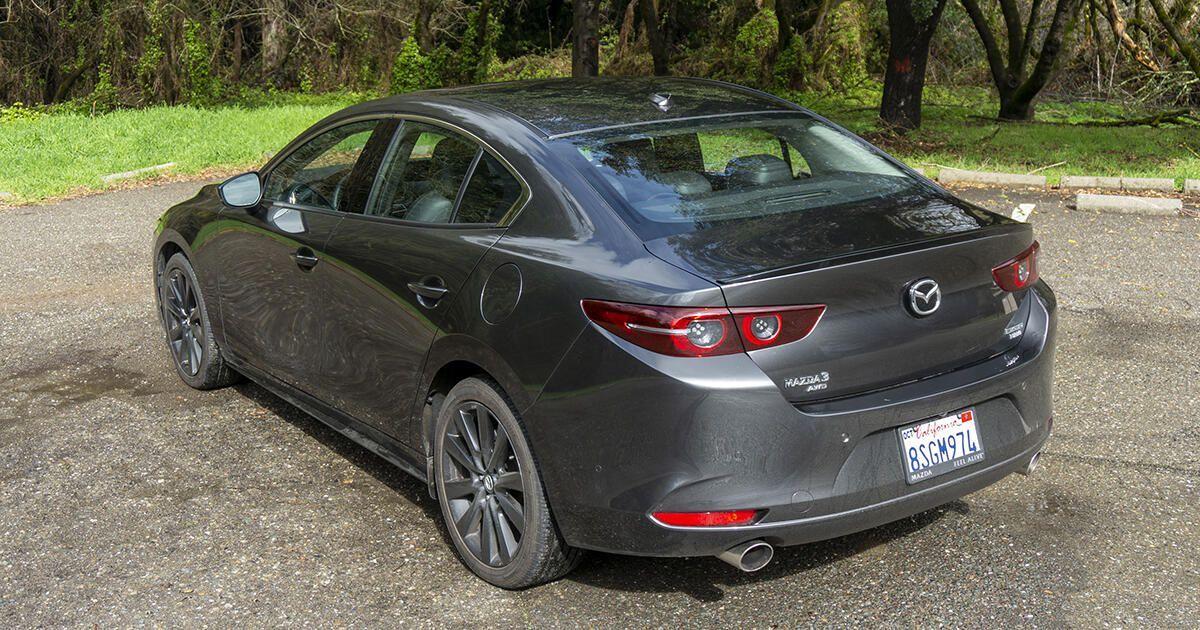 2021 Mazda3 Turbo Is A Surprisingly Fancy Four Door Roadshow In 2021 Sedan Hatchback Mazda 3