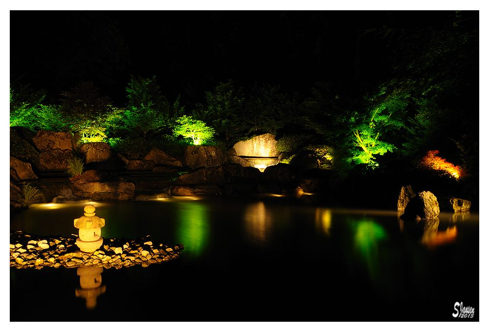 Awesome Lichterzauber im Japanischen Garten