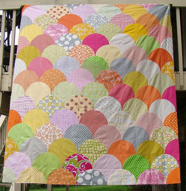 scallop quilt top by sewcraftyjess, via Flickr