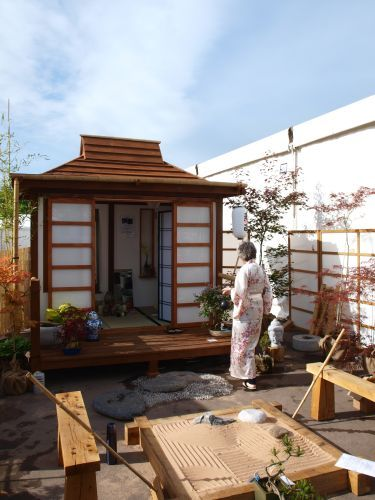 Japanese Tea Housein Your Own Garden I Soooooo Want One Of These