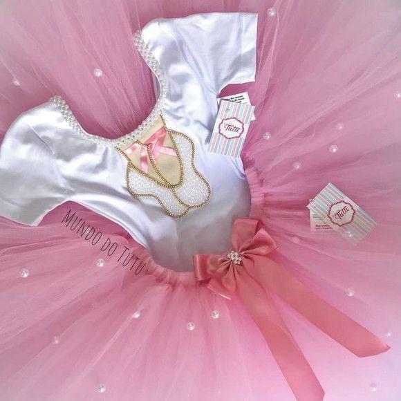 cb8d86a48f CONJUNTO BAILARINA - Collant de manga curta com bordado de sapatilhas de  pérolas e strass -