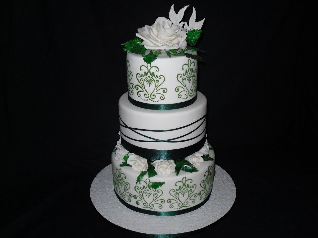 White And Emerald Green Wedding Cake Dchcoleman Pinterest