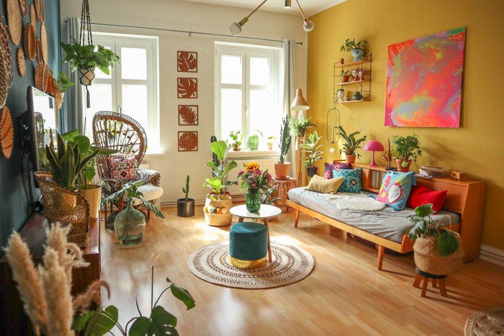 Colourful interior inspiration from a retro + boho Berlin ...