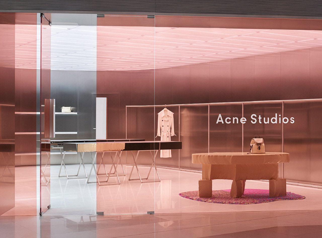 ae150631d7f3 Acne Studios Vitrine, Point De Vente, Maison Cosy, Deco, Intérieurs  Commerciaux,