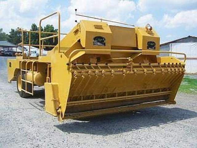 Pin by Rock & Dirt on Asphalt Equipment | Compact tractors