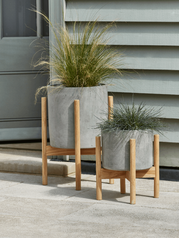 New Two Concrete Standing Planters Outdoor Plant Stands Garden Trough Planters Plant Pots Outdoo Plant Stands Outdoor Concrete Plant Pots Planter Stand