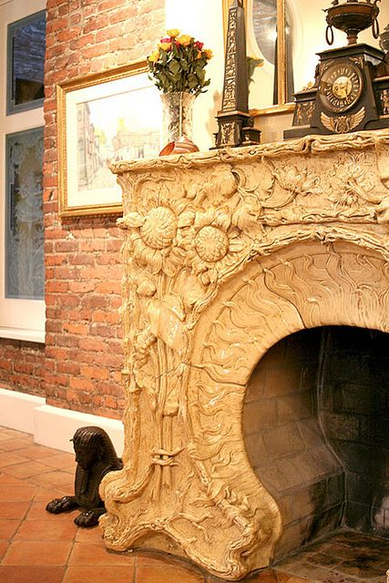 looks like a hobbit house fireplace.. and it would be really easy to ...