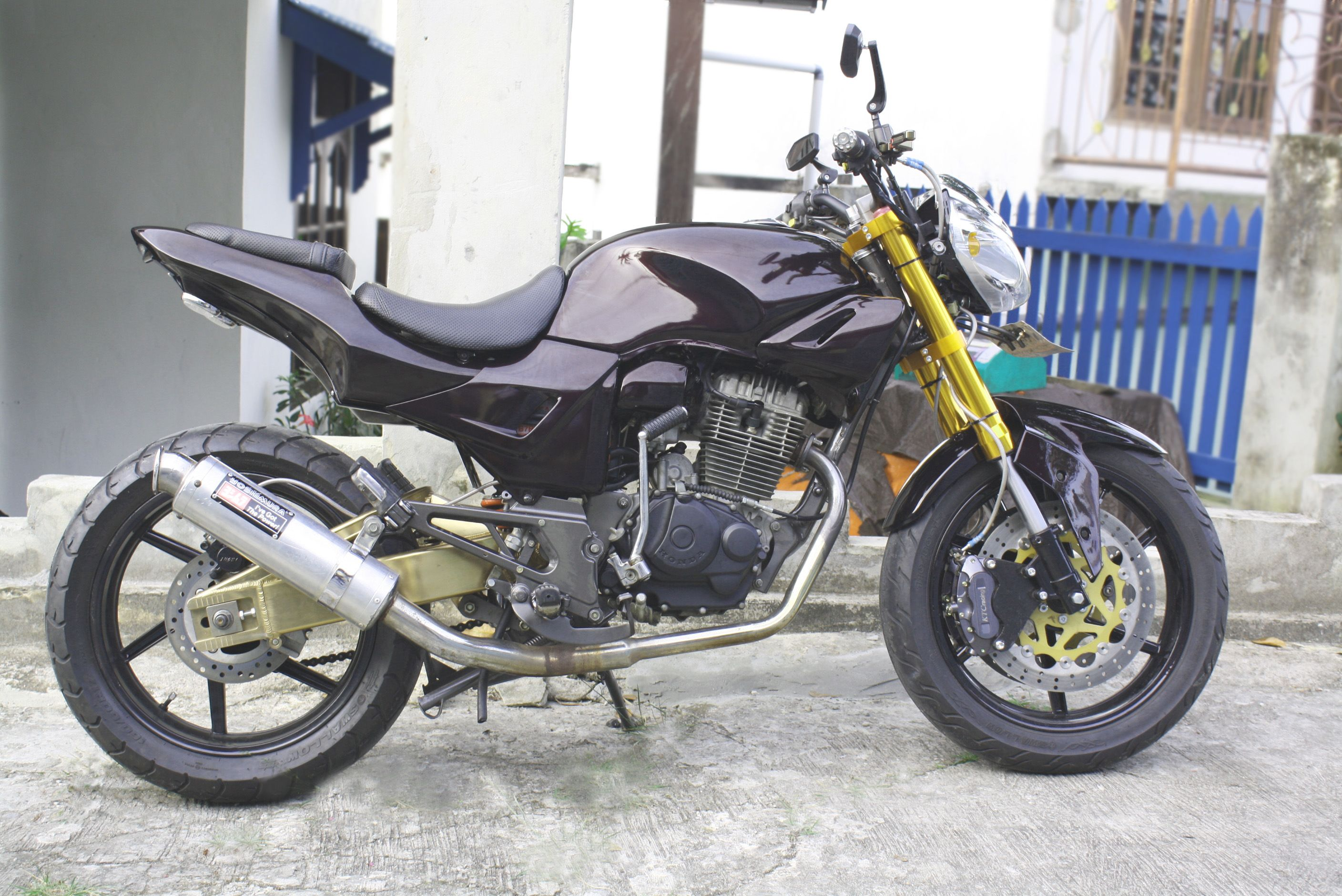 Koleksi Modifikasi Honda Tiger Jadi Street Fighter Terlengkap