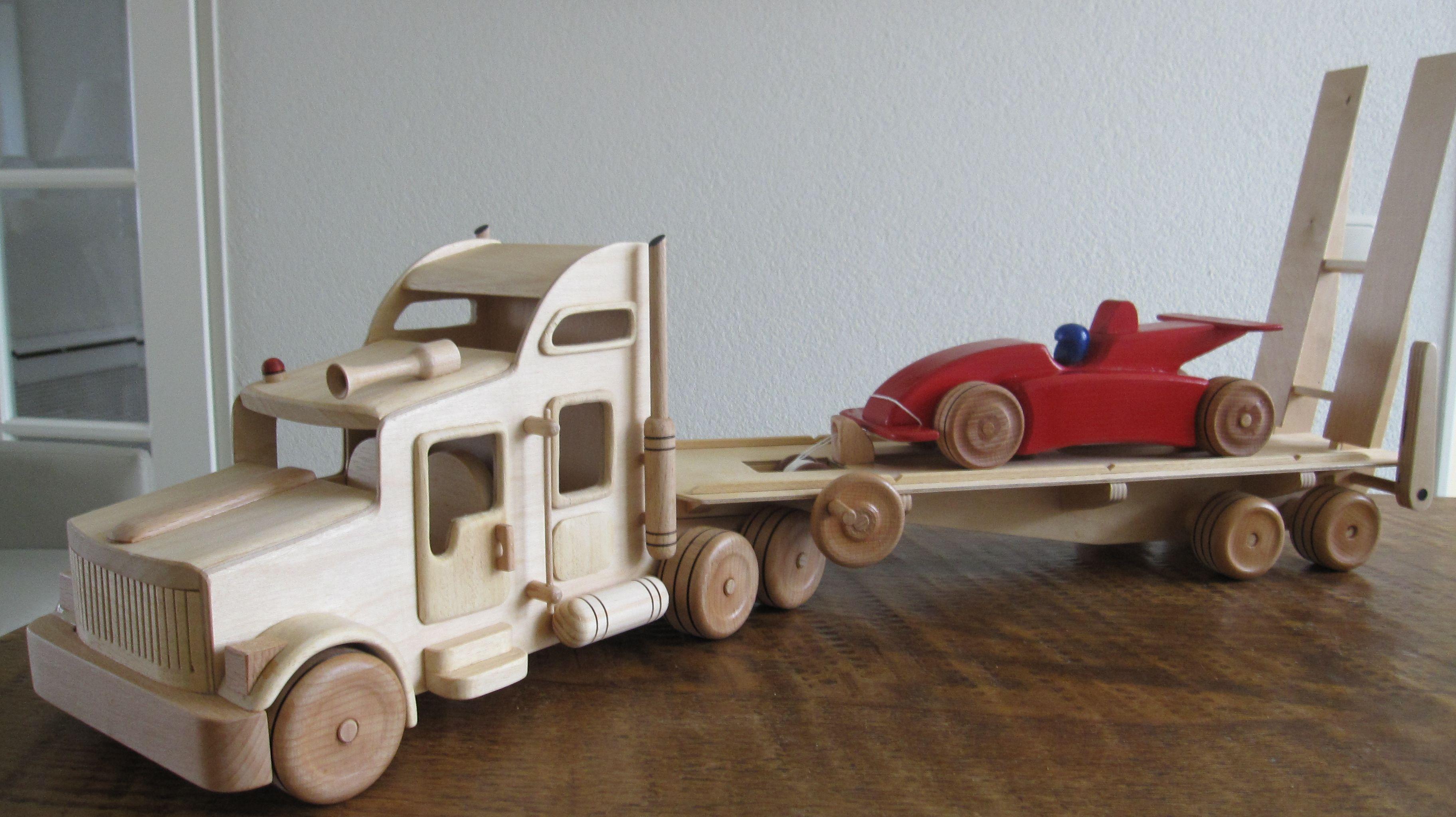 Vrachtauto met oplegger