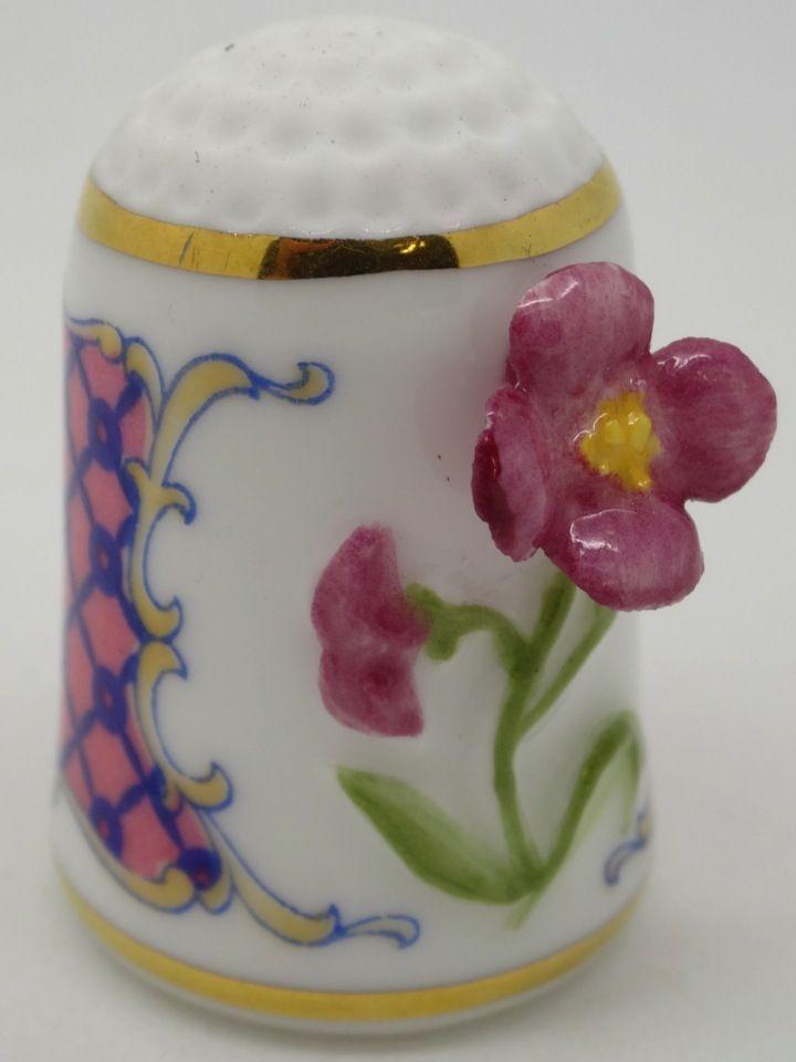 Wallflower - Alhelí. Franklin Porcelain. Thimble-Dedal-Fingerhut.