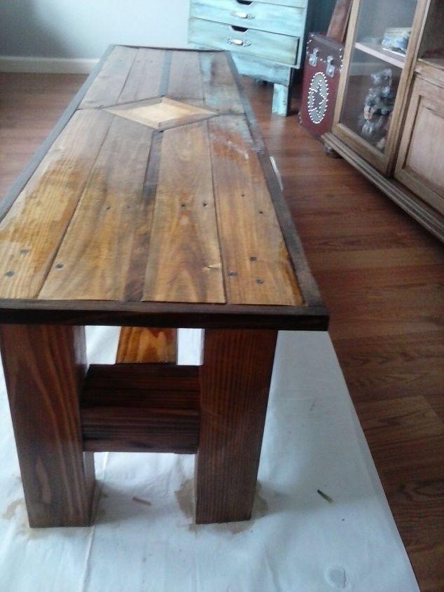 1 Pallet + 1 4x4 Post U003d Coffee Table