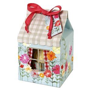 Cupcake box http://www.littlecupcakeboxes.co.uk/cupcakeboxes