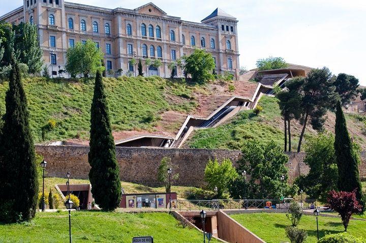 Martínez LapeñaTorres La Granja Escalator Toledo Step Up - A step up in amazing architecture la