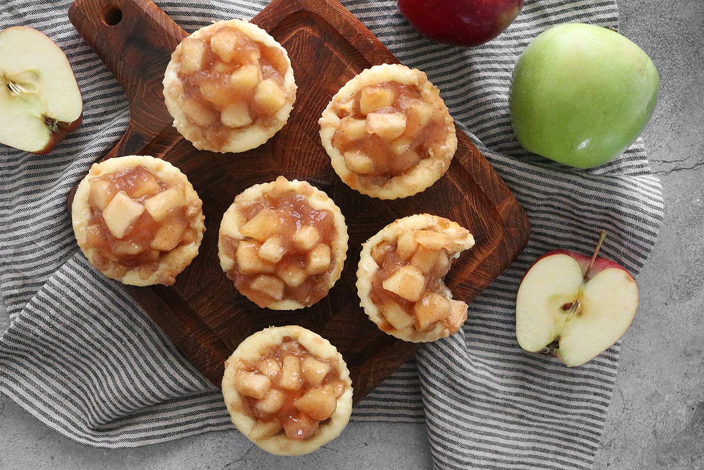 Mini Caramel Apple Cheesecakes Recipe #caramelapples