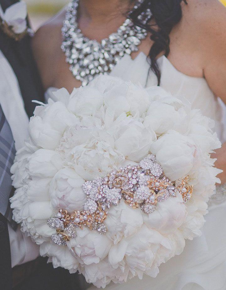 2019 Designer Wedding Dresses Bridal Gowns Wedding Brooch