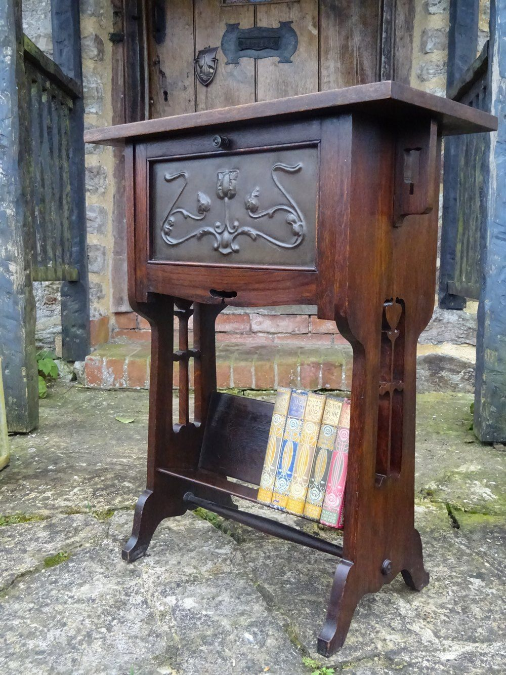 Arts crafts with bookstand antiques atlas
