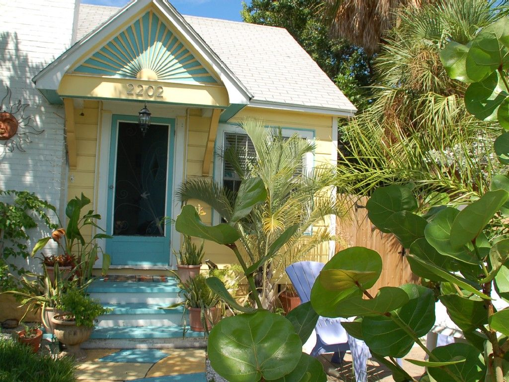 St Pete Beach Cottage Rental: Beautiful Historic Pass A Grille Beach House