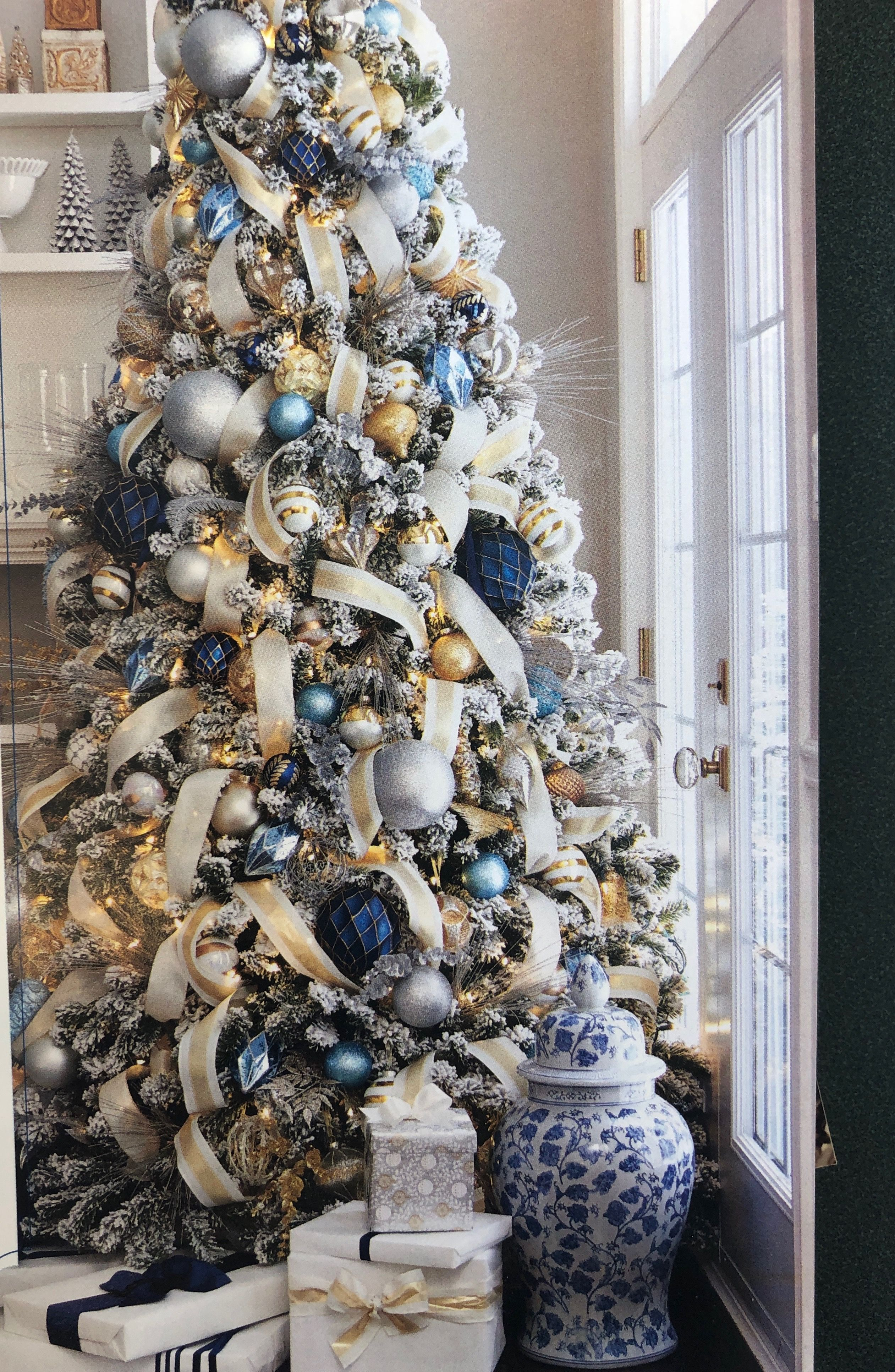 The Ransomed Heart A Collection Of Devotional Readings By John Eldredge 0785207066 9780785207061 In 2020 Elegant Christmas Trees Christmas Tree Inspiration Blue Christmas Tree Decorations