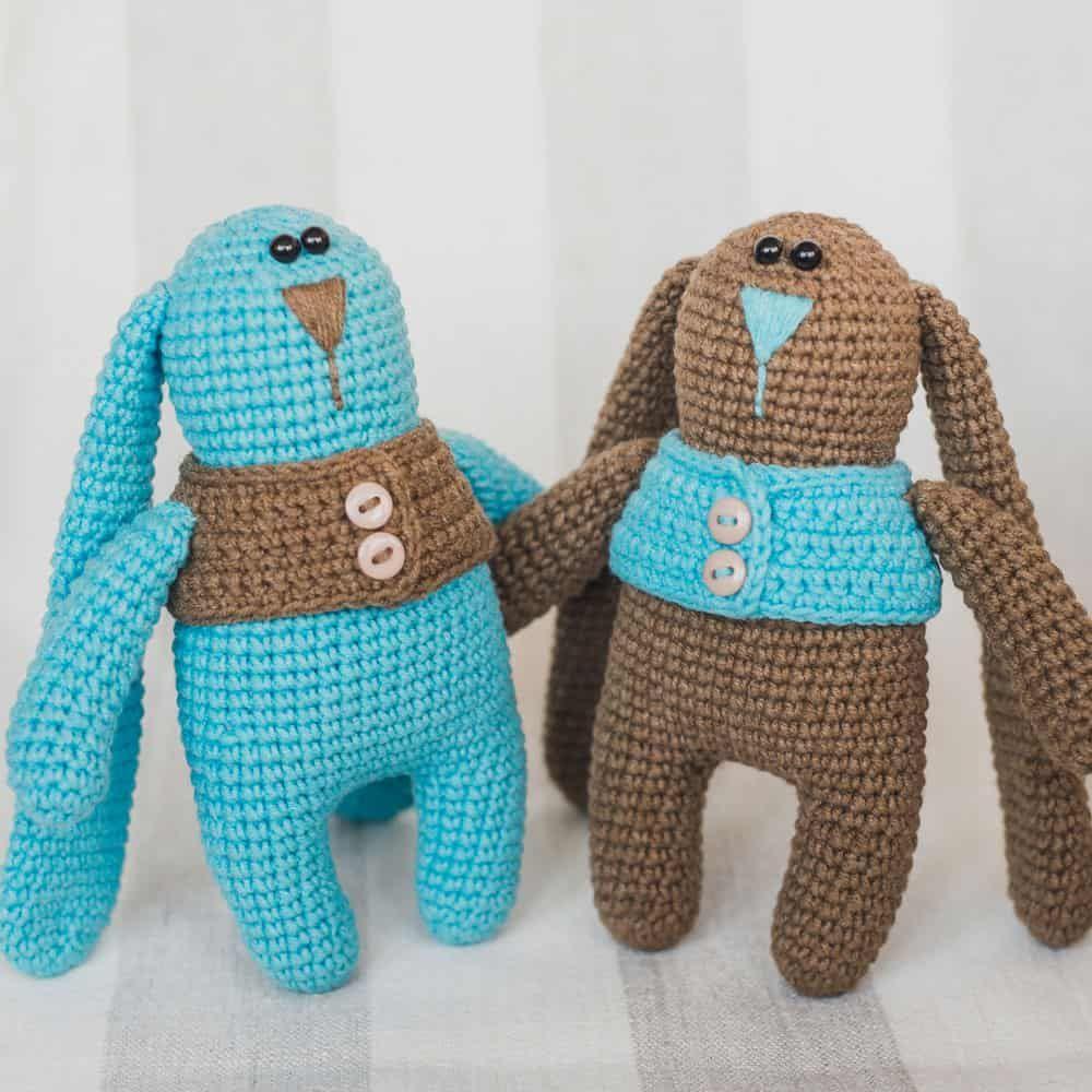 Amigurumi conejito gemelos en chalecos - patrón de ganchillo GRATIS ...
