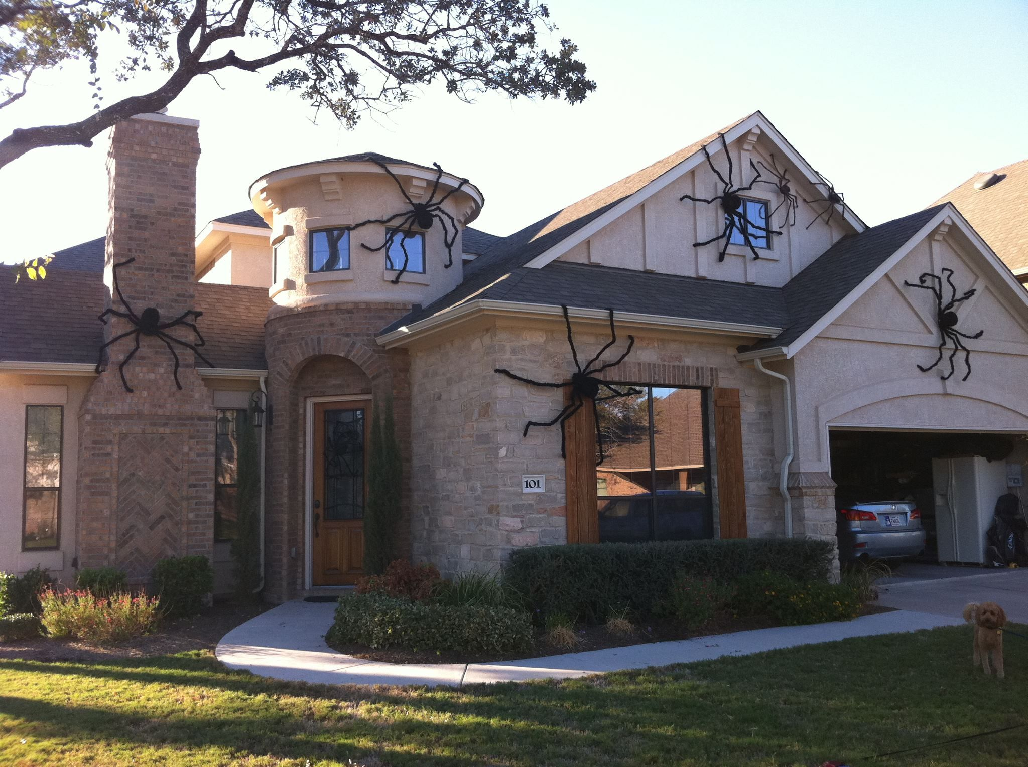 Giant house spider decorations Halloween outdoor