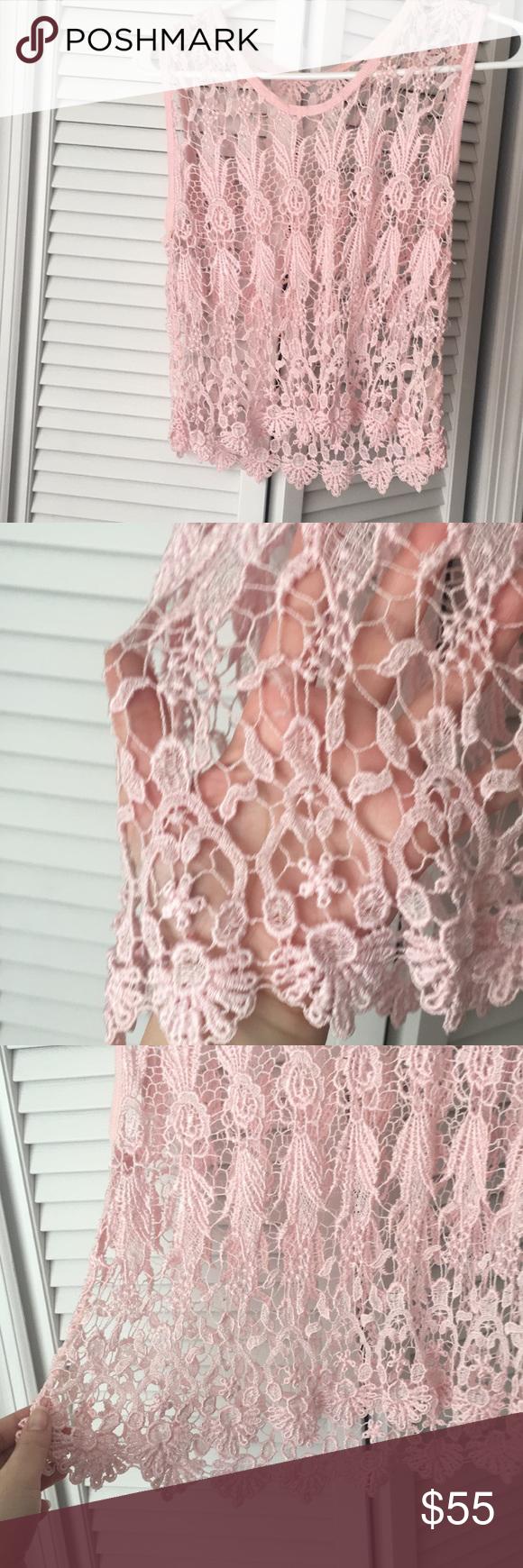 Pink crochet crop tank top sz M Pink crochet crop tank top sz M Tops Crop Tops #crochettanktops