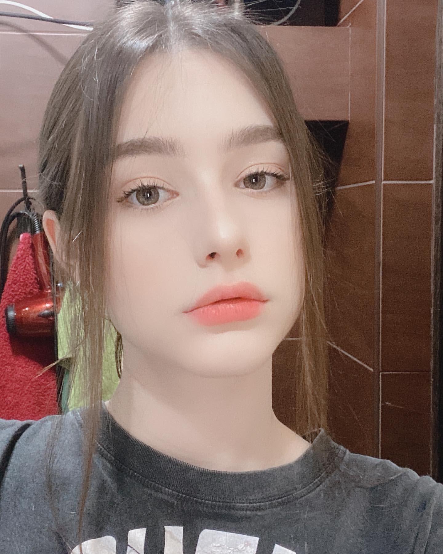 Tarankaaa In 2020 Cute Beauty Beauty Girl Cute Girl Poses