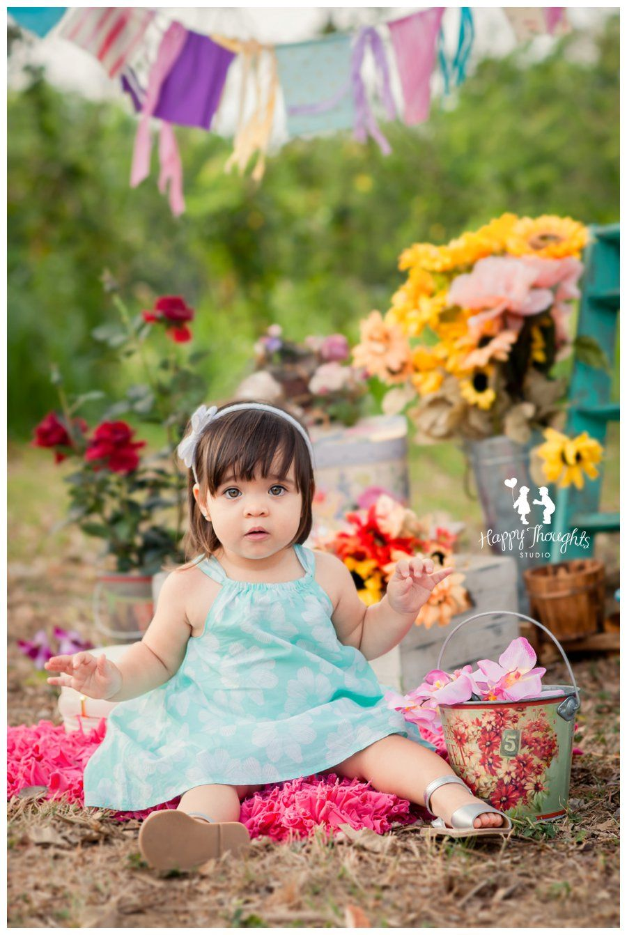 Cute Baby Girl! Flower Market children Photography   Happy Thoughts ...