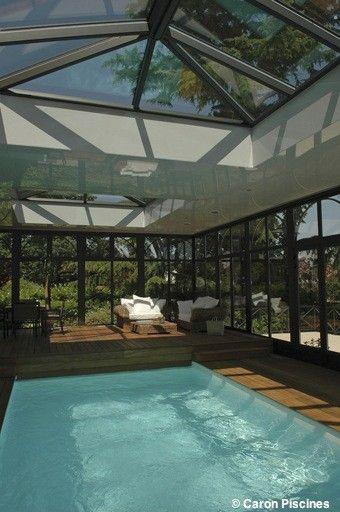 Piscine intérieure sous véranda | Caron Piscines | Piscine intérieure, Veranda piscine, Piscine