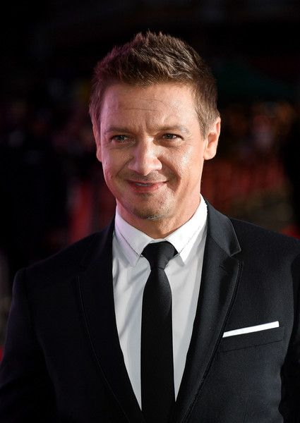 Jeremy Renner attends the 'Arrival' Royal Bank Of Canada Gala screening during the 60th BFI London Film Festival at Odeon Leicester Square on October 10, 2016 in London, England.
