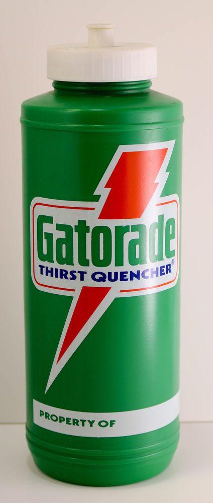 3227deb8654637 Vintage 80s Gatorade 32 oz Plastic Sports Drink Bottle 1985  GATORADE