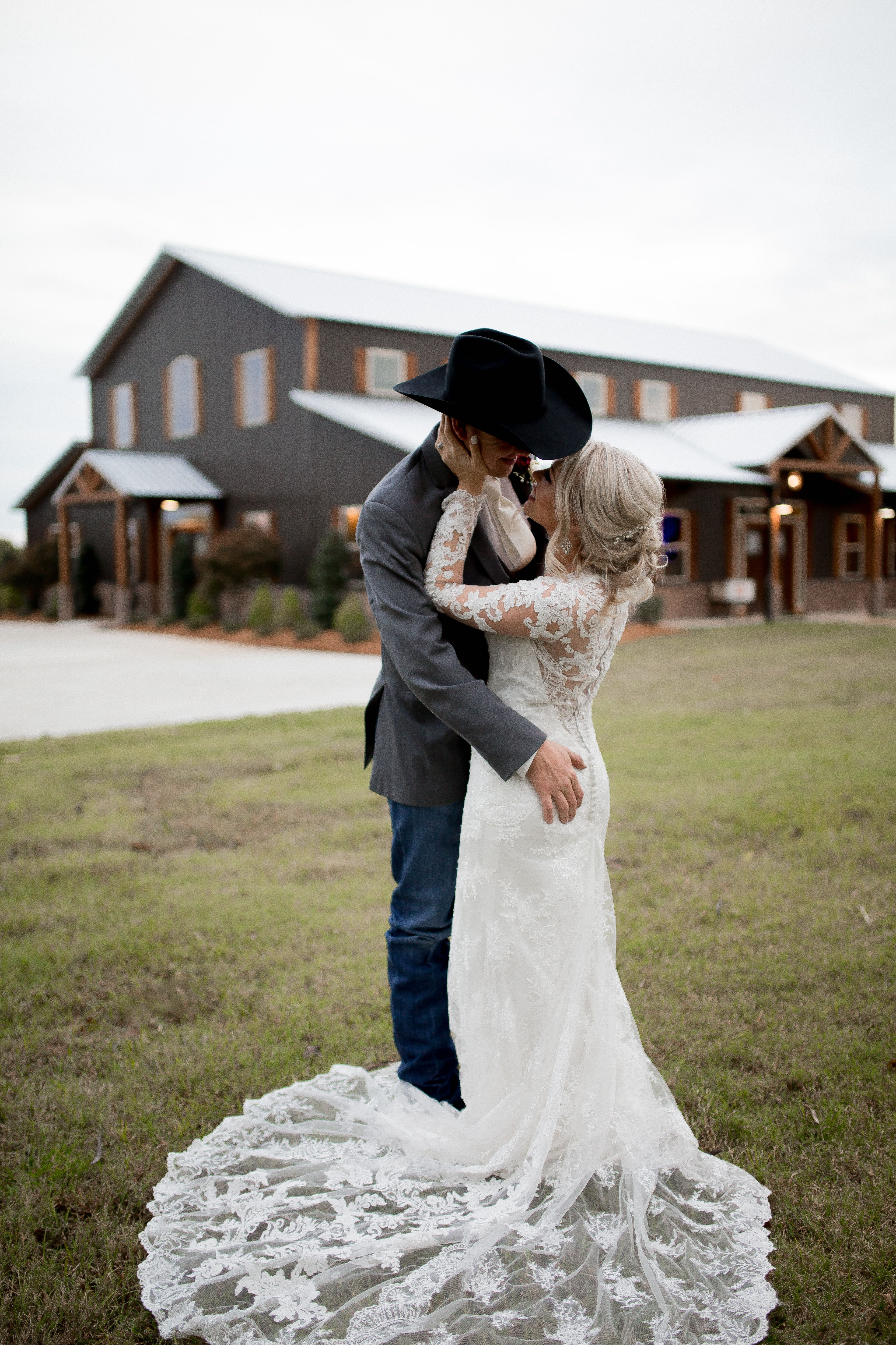 Western Wedding Photos Cowboy Wedding Goals Cowboy Wedding Country Wedding Pictures Country Wedding Photos