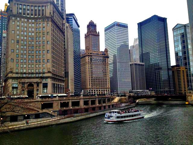 chicago architectural boat tour | chicago things to do | pinterest