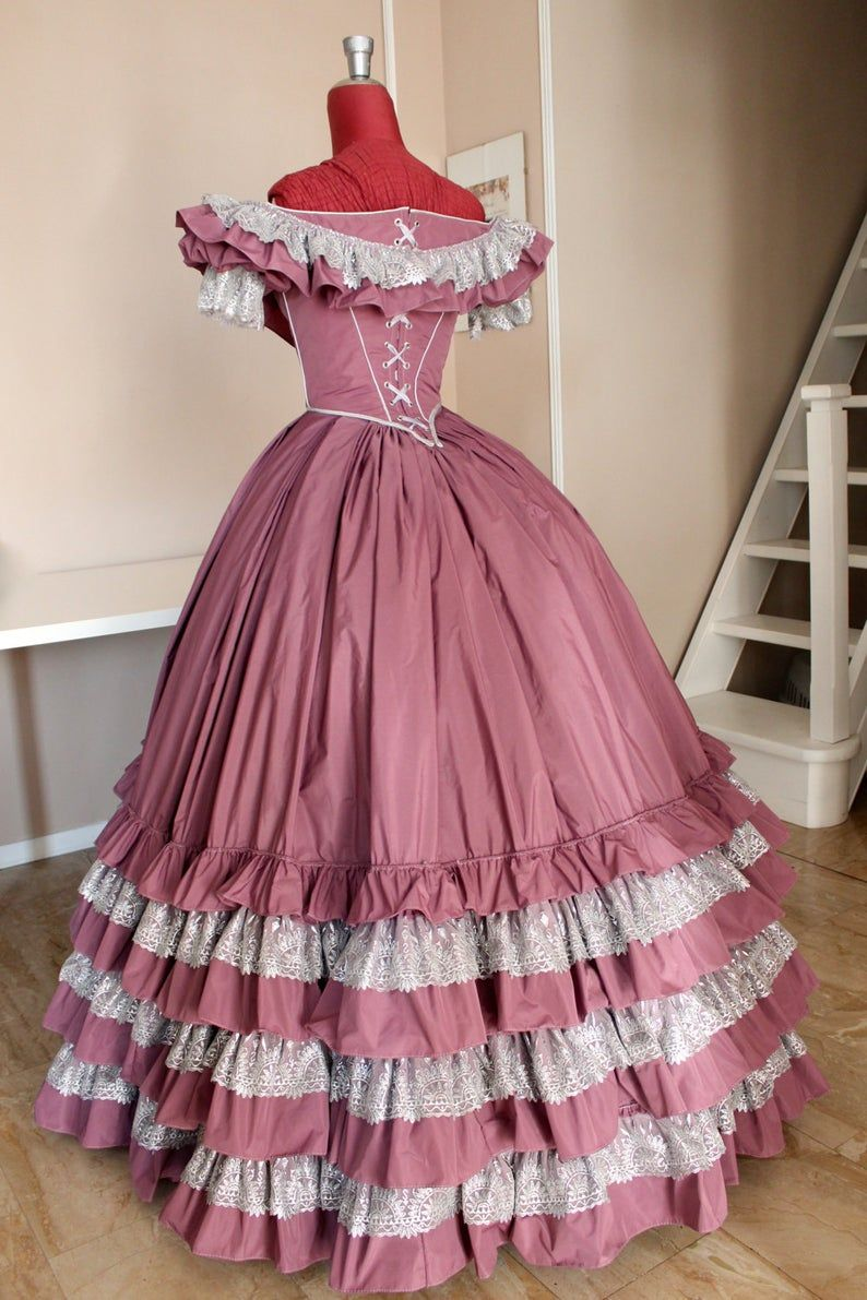 Victorian Ball Gown In Mauve Taffeta And Silver Lace 1860 Ball Gown Mauve Model In 2021 Victorian Ball Gowns Victorian Dress Gown Victorian Ball Gown [ 1191 x 794 Pixel ]