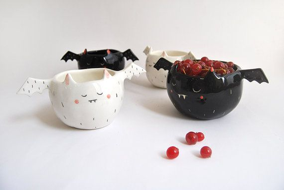 **Halloween Special**  Terrifying Black vampire bowl, super cute with his small wings on his chubby body that seems that he will not be able to fly.