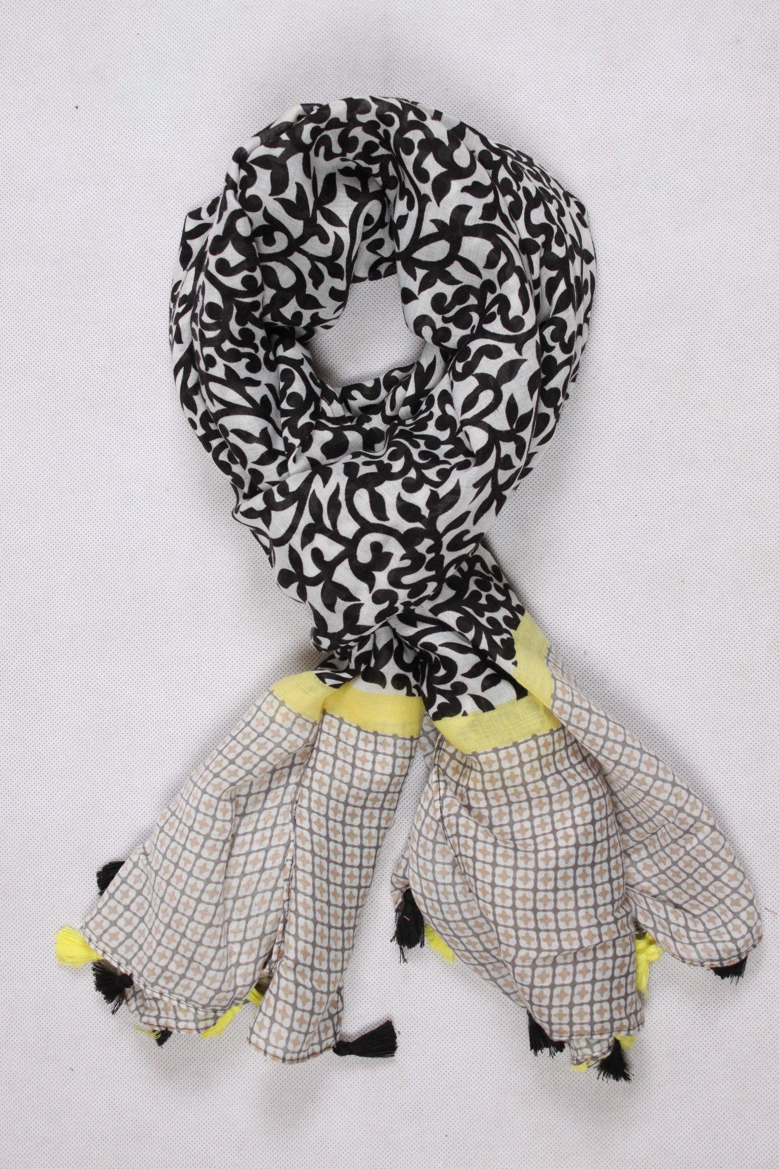 91275a2e648e Chèche fantaisie noir et jaune avec des pompons   Chèche Femme ...
