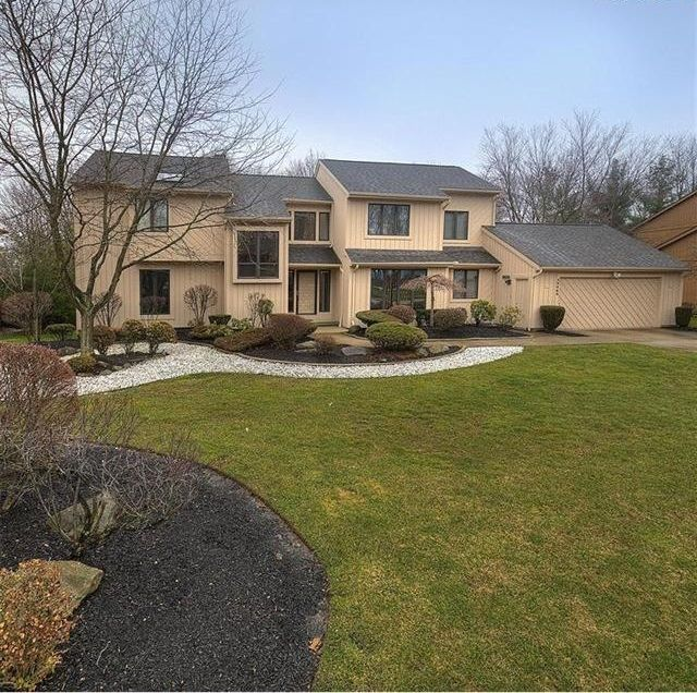 Our Home, provides 4500+ SqFt of updated living and entertaining space - Cleveland house rental