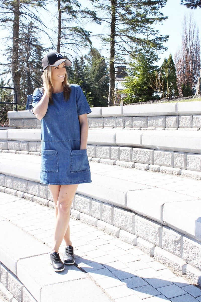 Styling sneakers with a dress for spring. #MyGeox shoes are so comfortable, and so stylish!  Love the leather detail! #StartBreathing