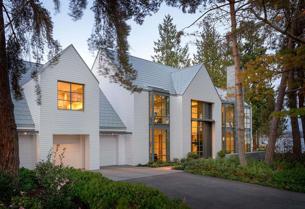 Best Contemporary Shingle Style House On The Shores Of Lake 640 x 480