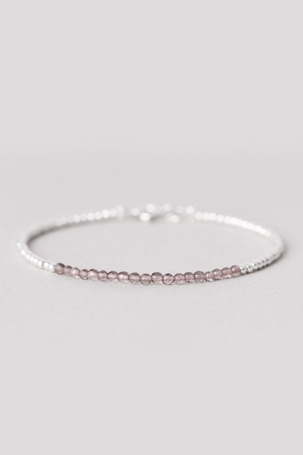 #naturalagate  #agatebracelet #sterlingsilver #beadedbracelet  #greyagate  #beadsbracelet #septemberbirthstone  #birthstonebracelet #silver925 #womansbracelet