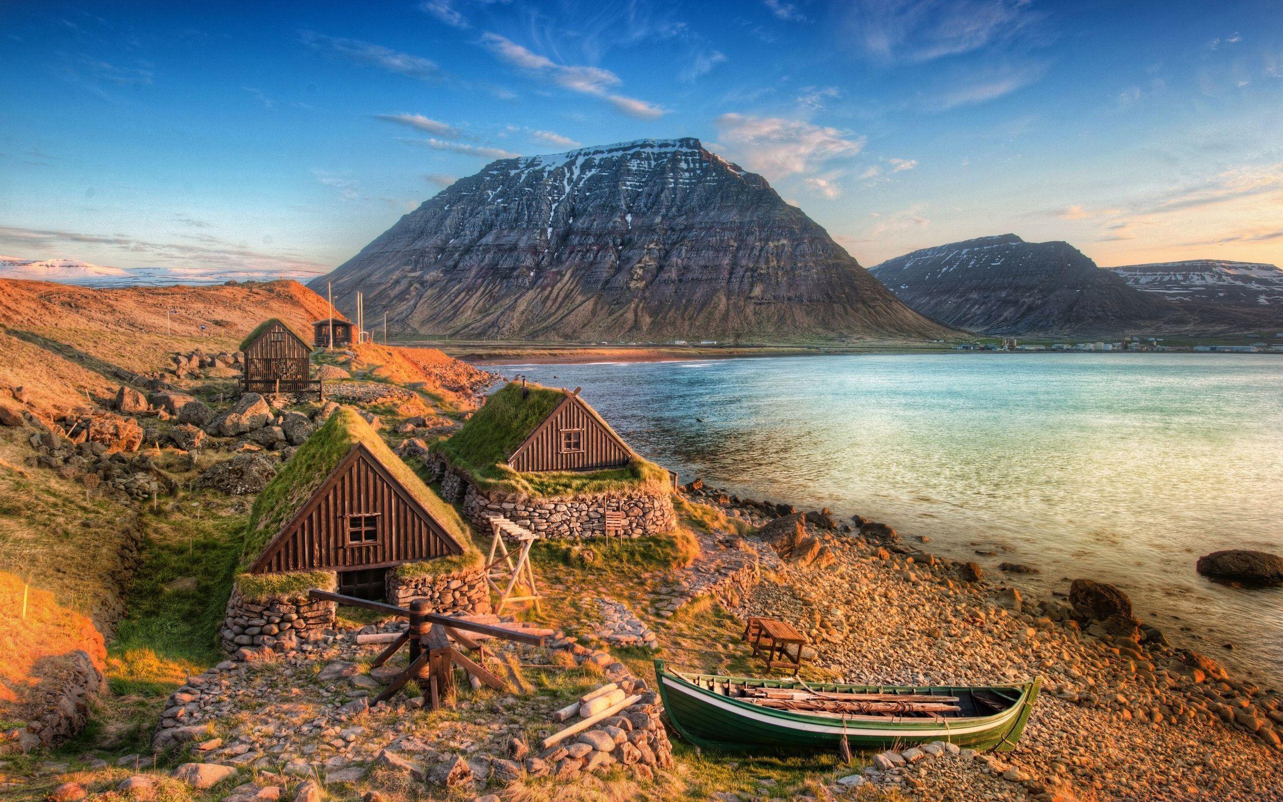 Islande Montagne Côte de la mer Bateau Fonds d'écran - 2560x1600