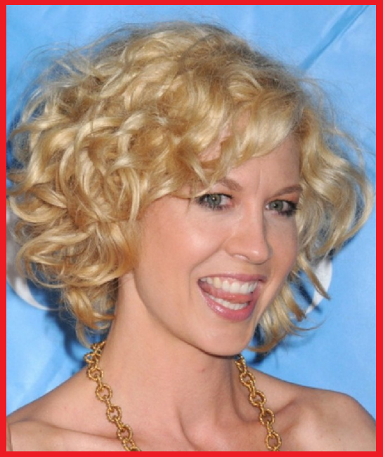 Frisuren Mit Locken Blond Bob Damen Bilder Locken Frisuren