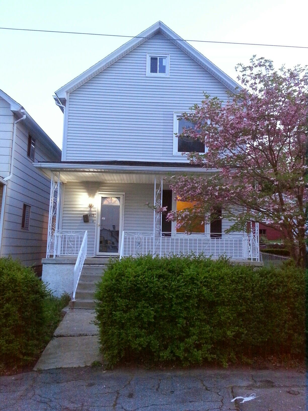 415 Cayuga Street, Scranton PA.. Newly Updated 2nd floor