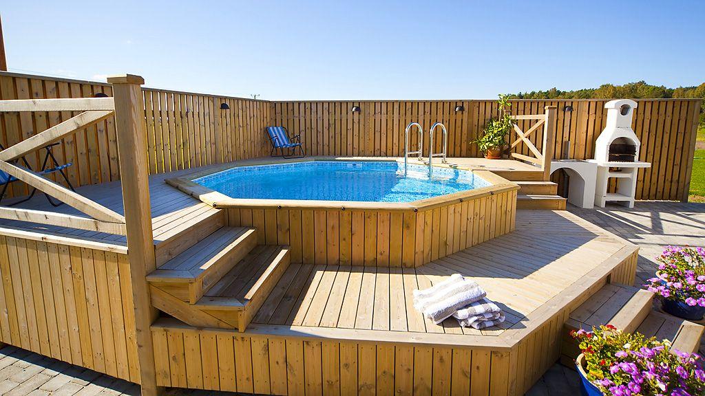 V sledek obr zku pro wood deck round above ground pool for Intex pool billig