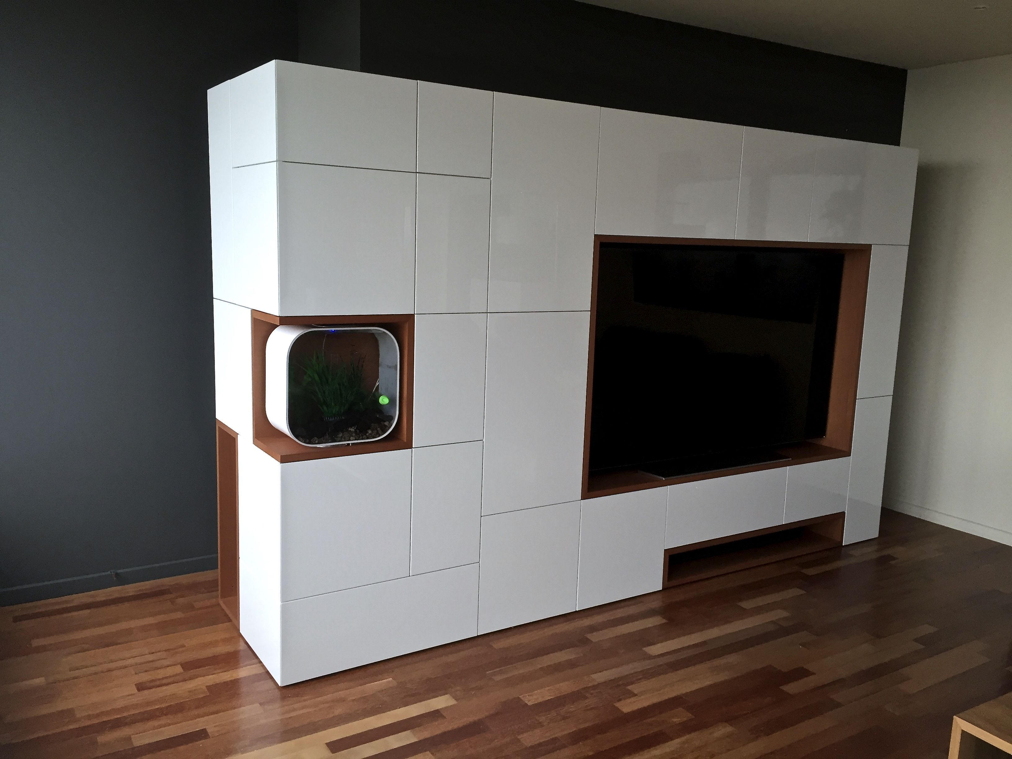 Mahonie Tv Meubel : Functioneel tv meubel in hoogglans lak en mahonie fineer nissen