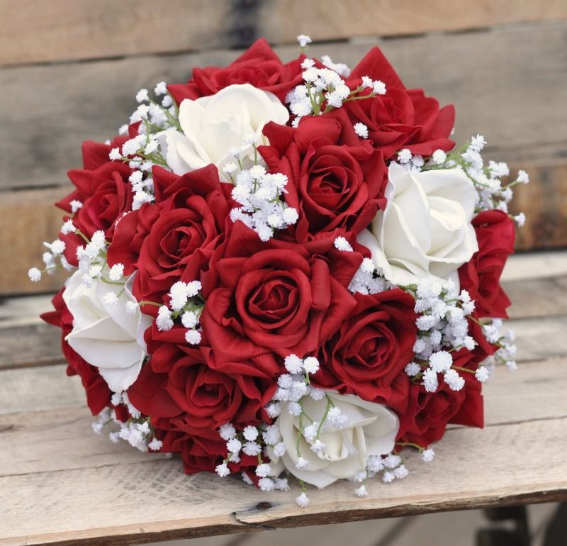 White And Red Wedding Flowers: Pin By Wedding Chicks On Wedding Bouquets In 2019
