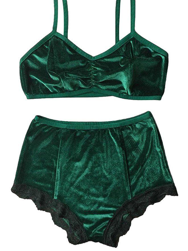 c1d05345f1cfe Amazon.com  Women s Vintage 2 Pieces Velvet Bra   High Waist Lace Panties  Lingerie Set  Clothing