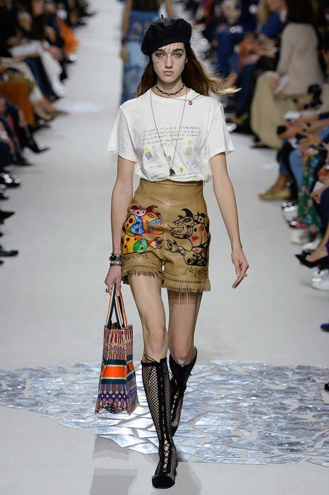 1a4748e5bd57a See the complete Christian Dior Spring 2018 Ready-to-Wear collection.