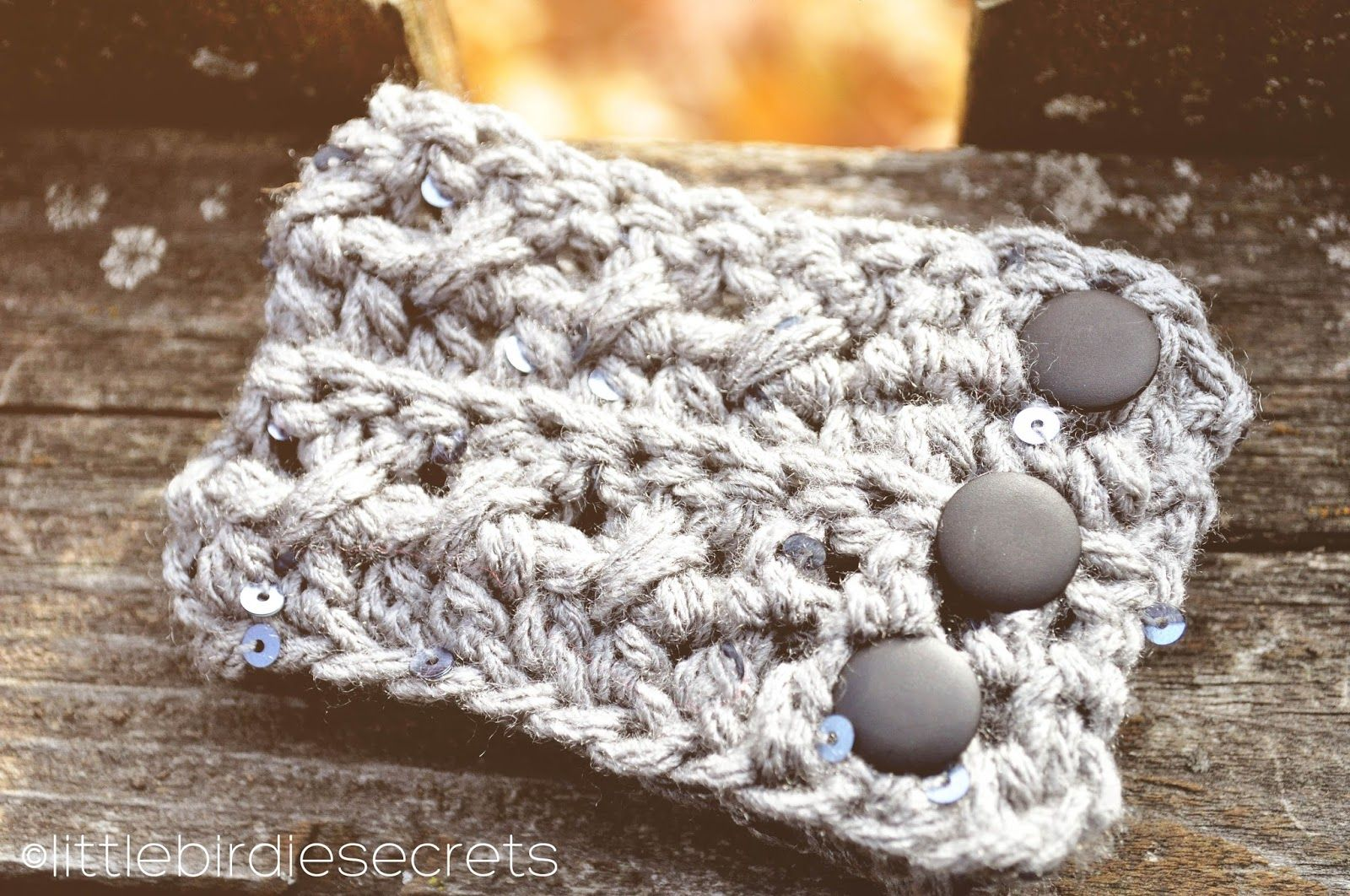free crochet headband and cuff {pattern} | Little Birdie Secrets ...